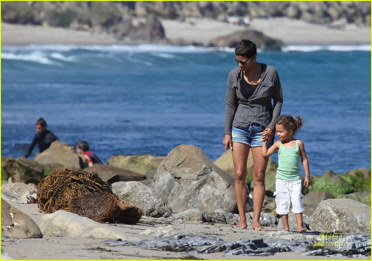 halle berry olivier martinez lunch with nahla 252565468