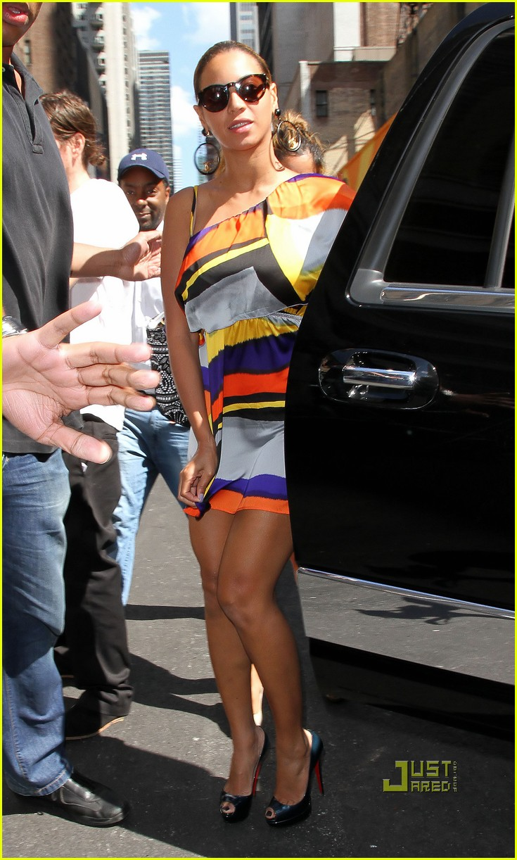beyonce colorful dress nyc 032569207
