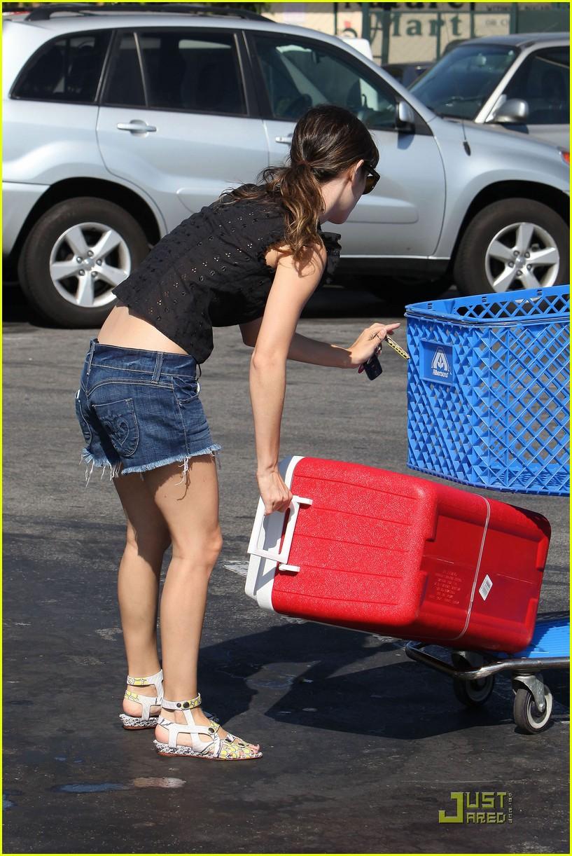 rachel bilson grocery girl 21