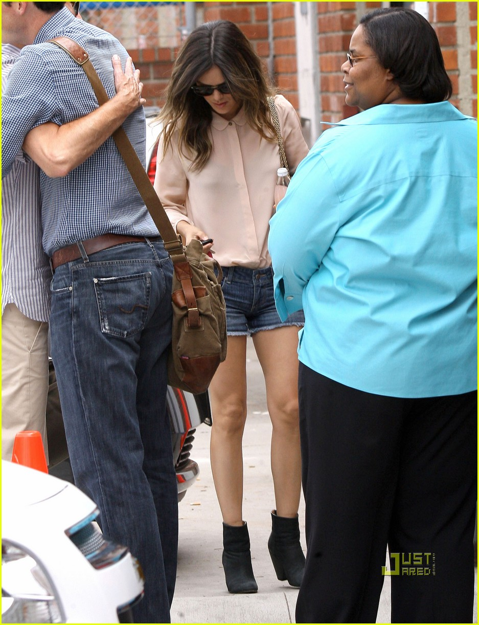 rachel bilson movie set santa monica 03