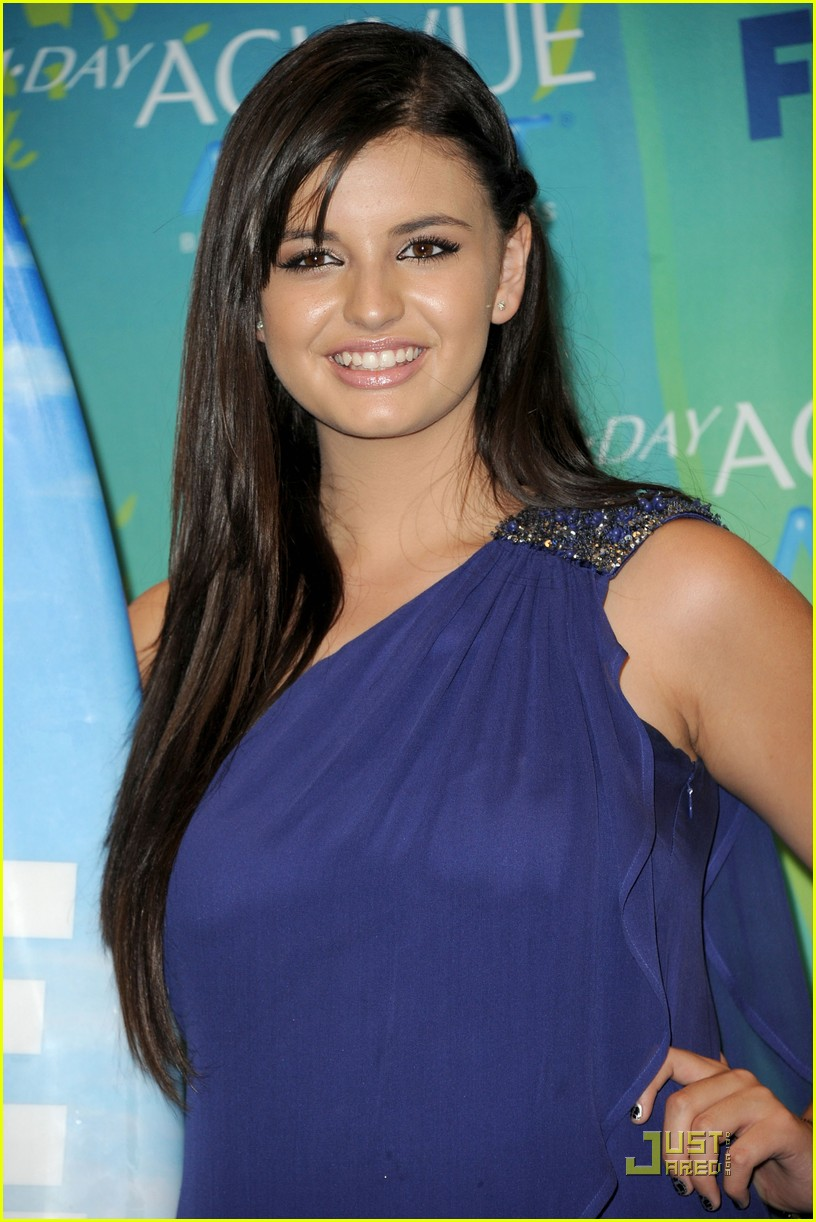 rebecca black choice web star at teen choice awards 10