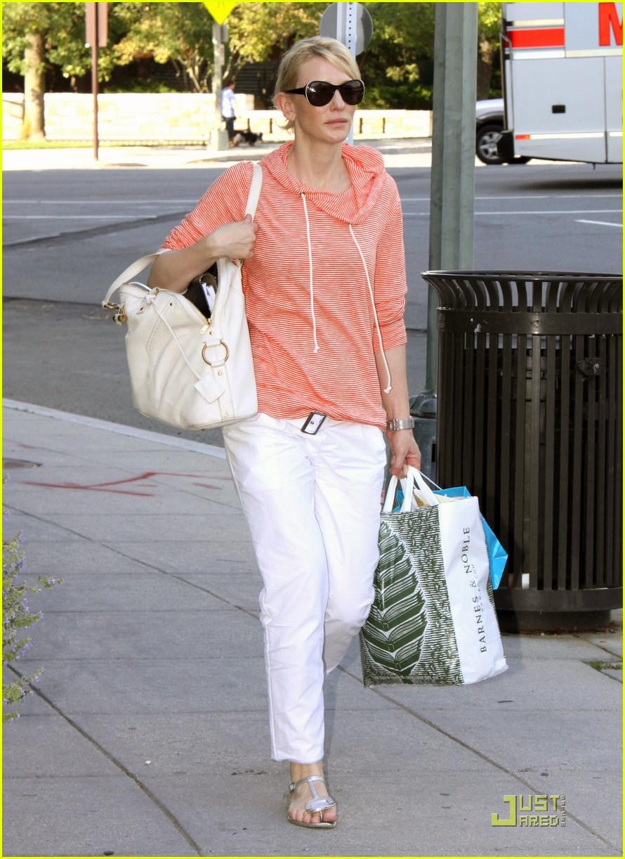cate blanchett shopping dc 01