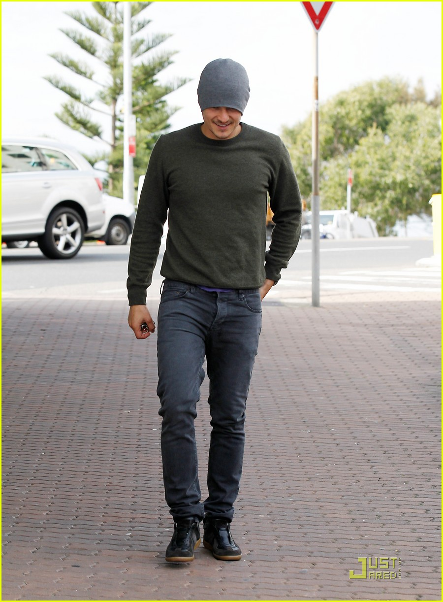orlando bloom breakfast bondi beach  05