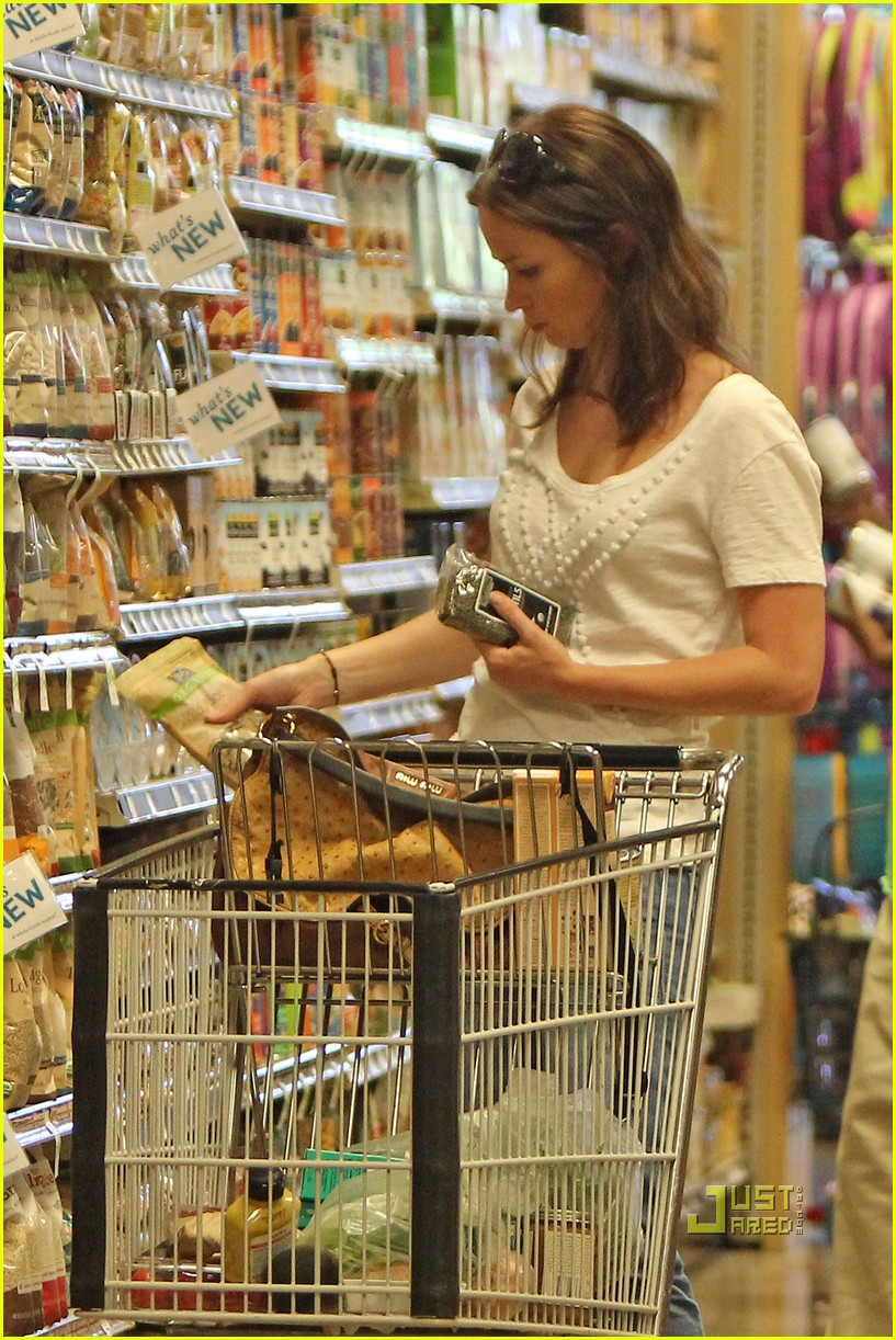 emily blunt whole foods shopper 022570712