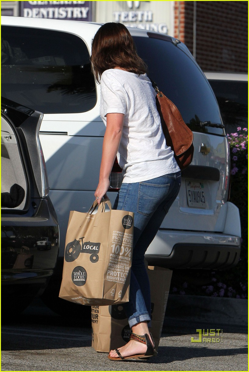 emily blunt whole foods shopper 152570725