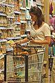 emily blunt whole foods shopper 02