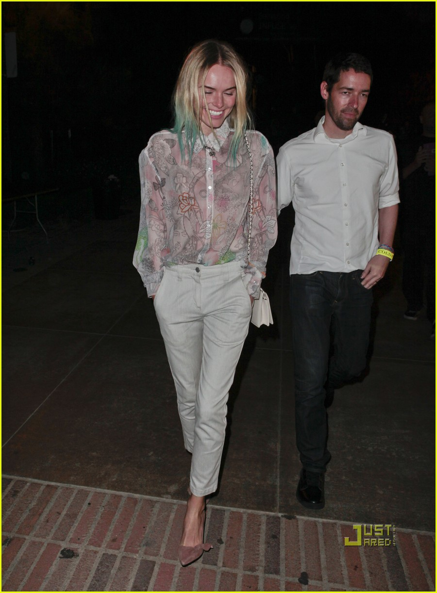 kate bosworth blue hair tips coldplay concert 012566524
