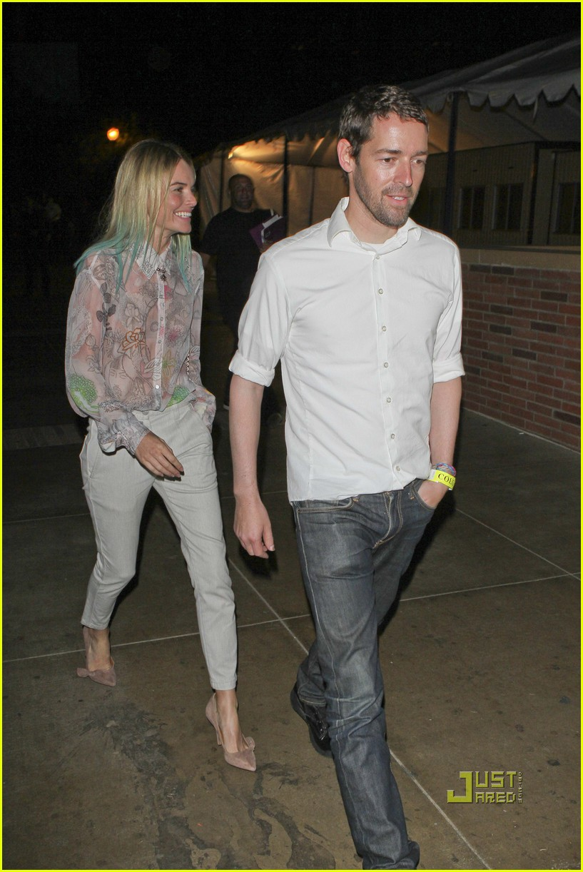 kate bosworth blue hair tips coldplay concert 182566541