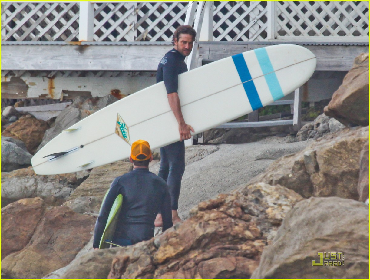 gerard butler surfing lessons shower 032573606