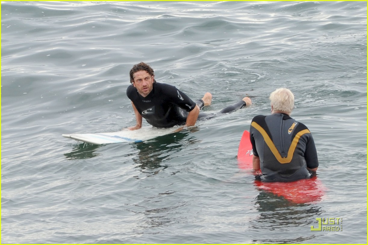 gerard butler surfing lessons shower 062573609