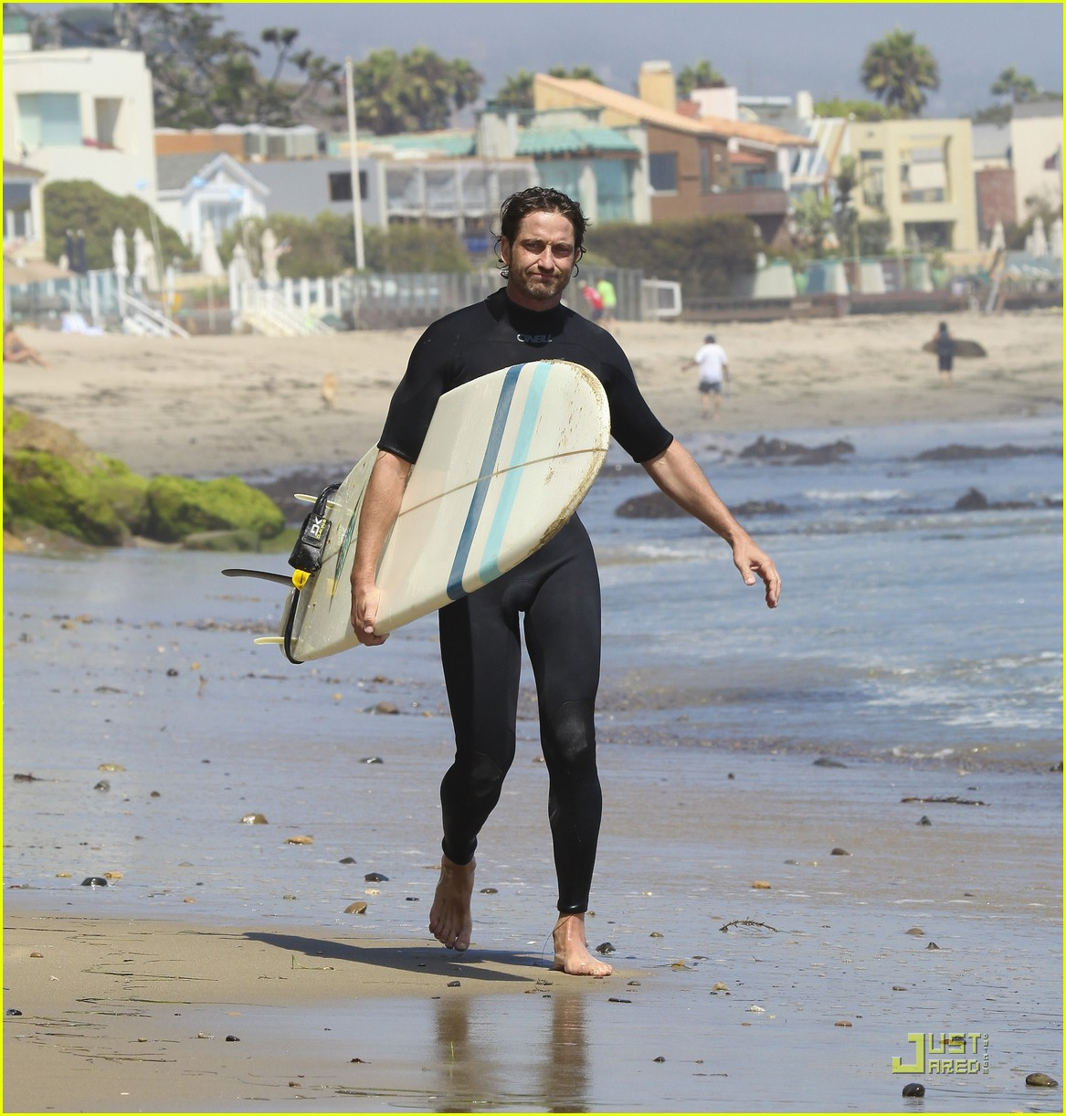 gerard butler surf coffee 29
