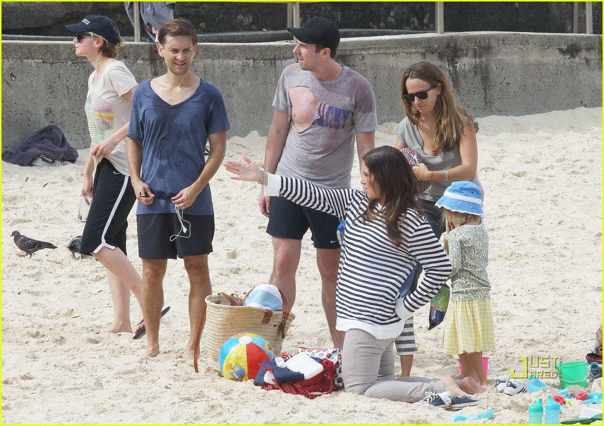 carey mulligan beach australia 02