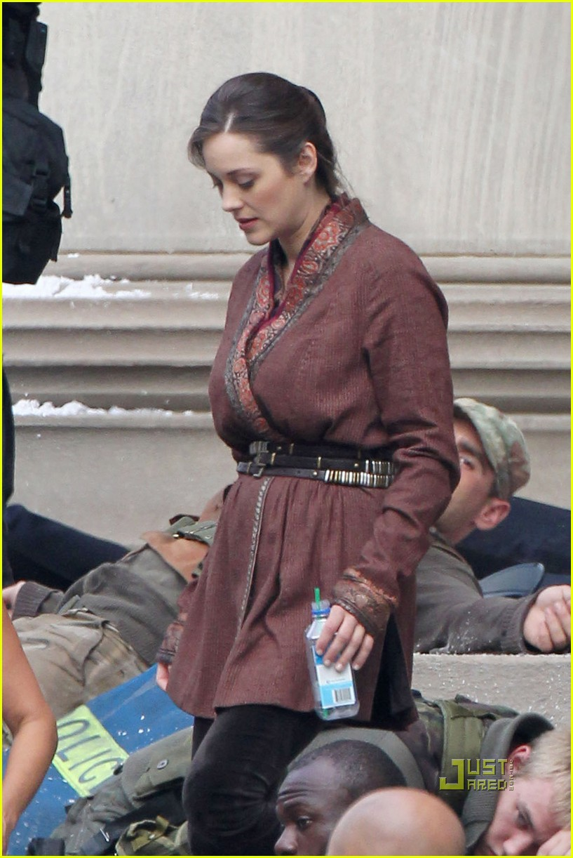 Anne Hathaway Marion Cotillard Dark Knight Rises Set
