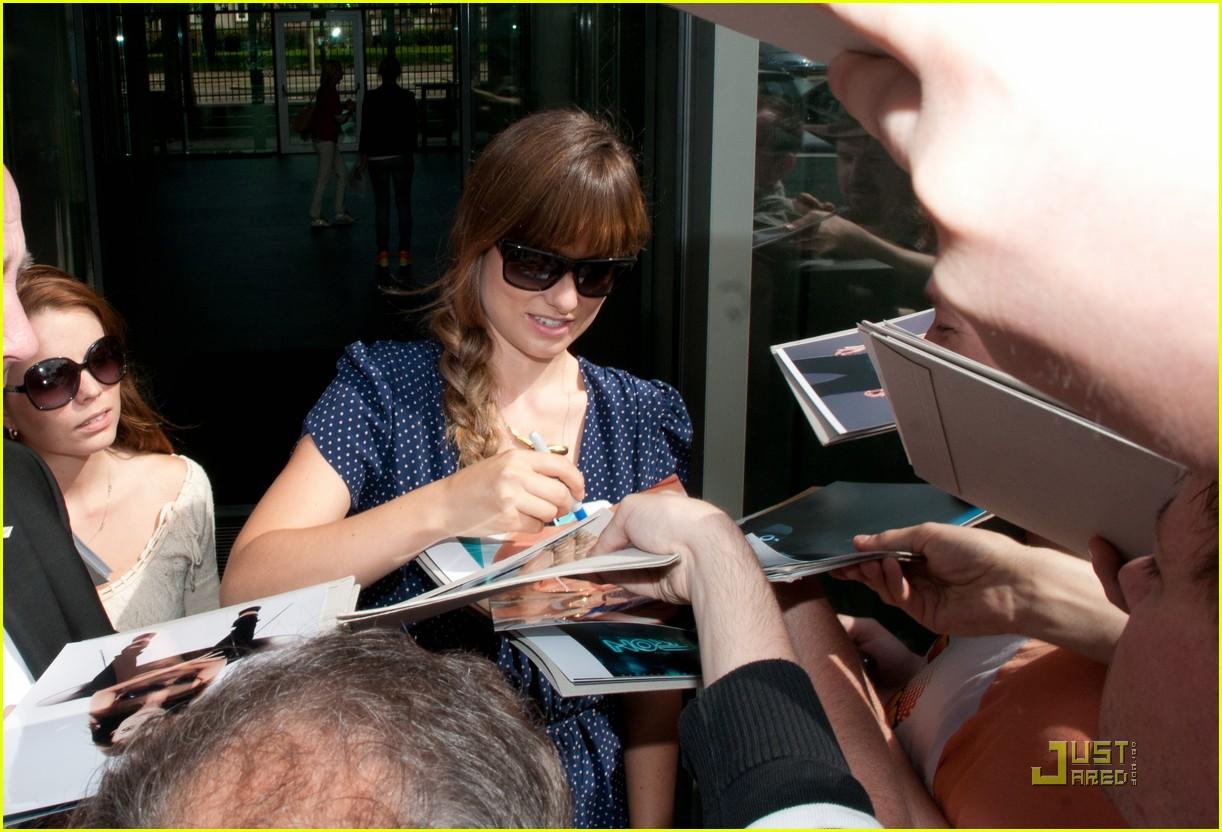 daniel craig autographs fans 032568182