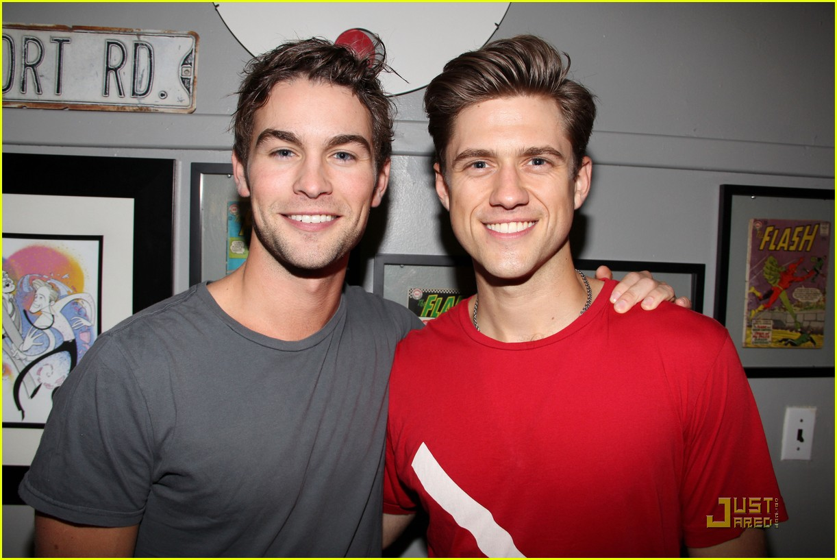 chace crawford aaron tveit catch us if you can 012565316