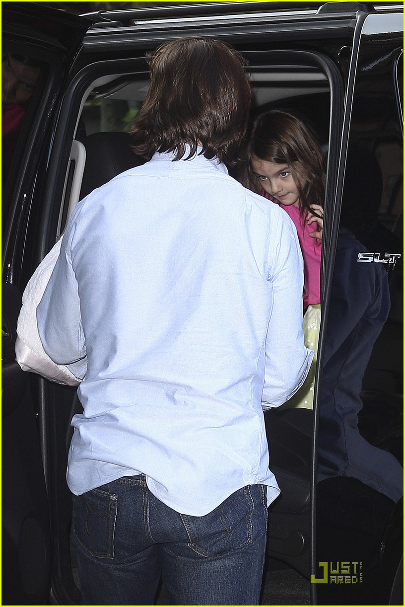 tom cruise suri chelsea piers 07