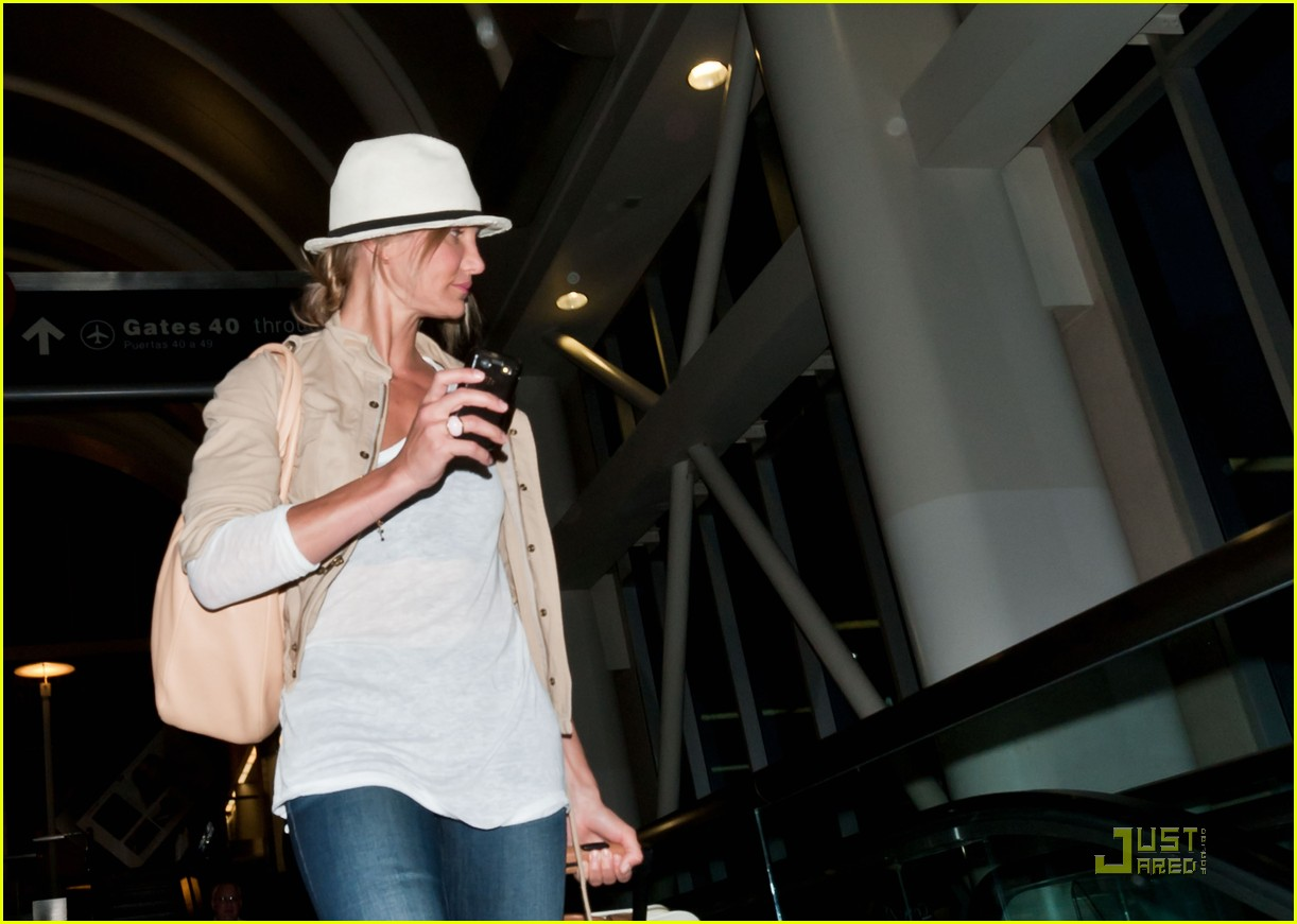 cameron diaz walks and talks at lax 06