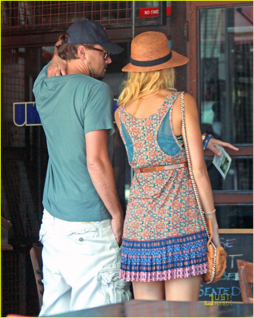 Leonardo Dicaprio Blake Lively Grocery Shopping Photo 2568129