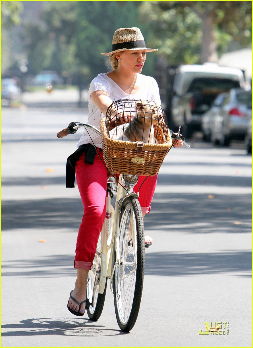 hilary duff mike bikes 012569915