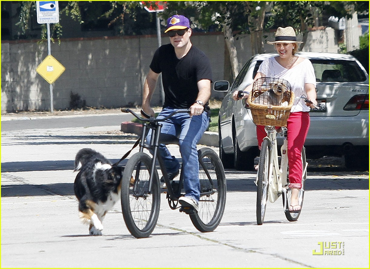 hilary duff mike bikes 022569916