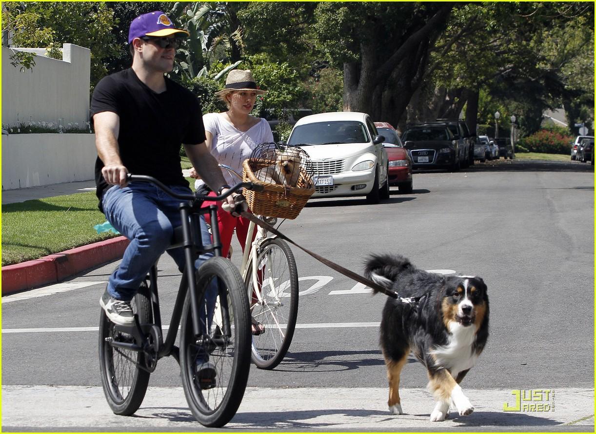 hilary duff mike bikes 052569919