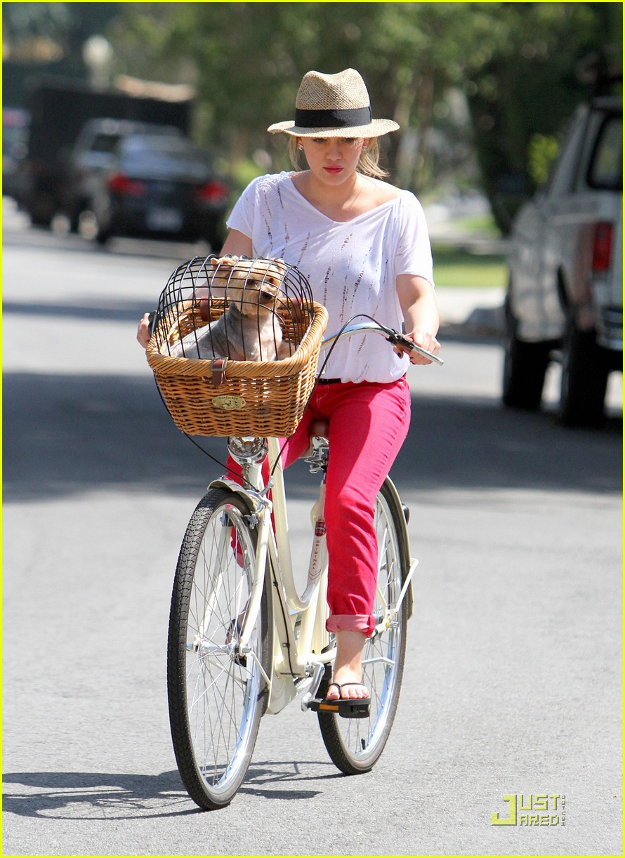hilary duff mike bikes 17