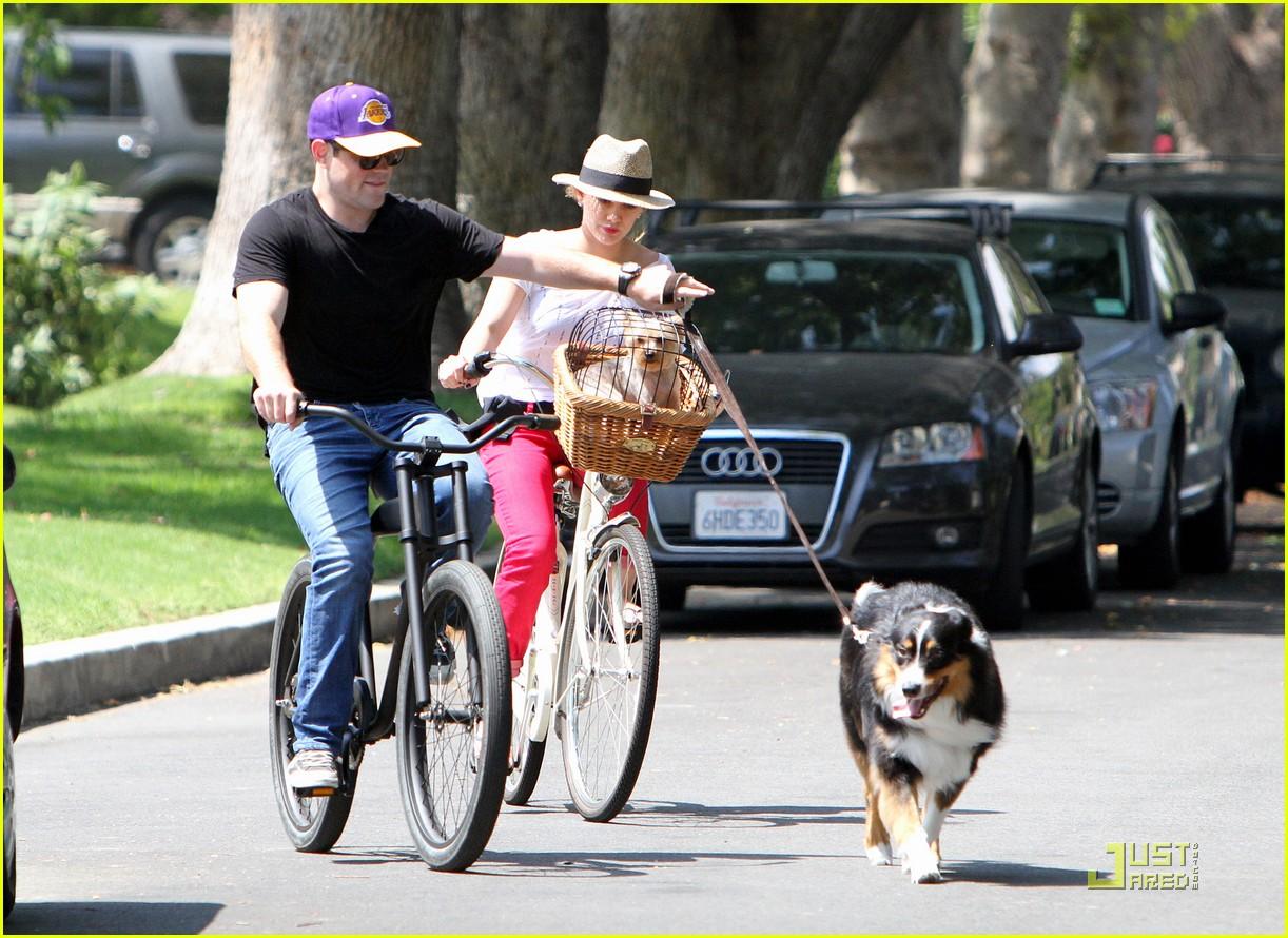 hilary duff mike bikes 192569933