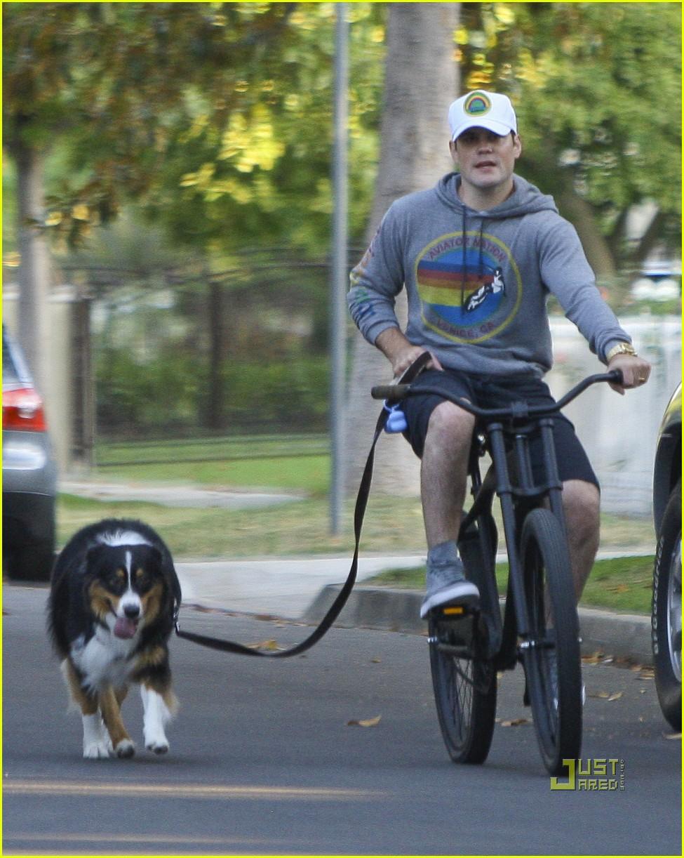 hilary duff bike 052569293