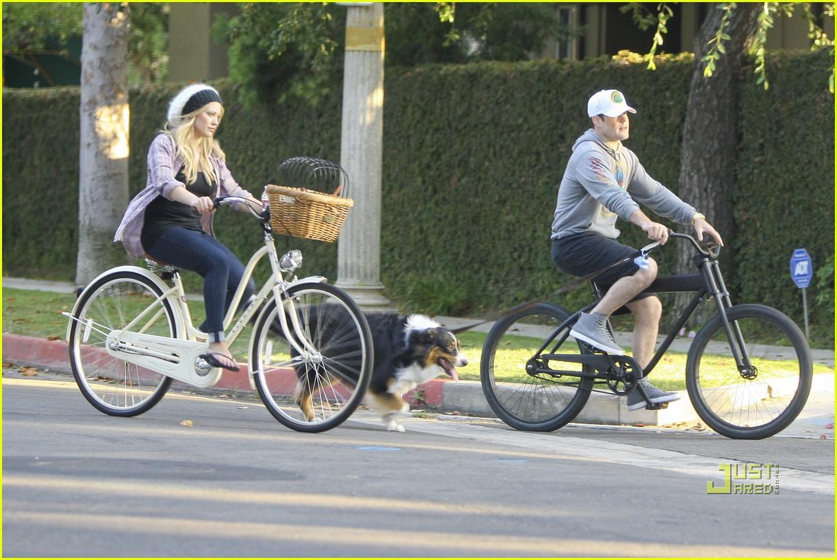 hilary duff bike 082569296
