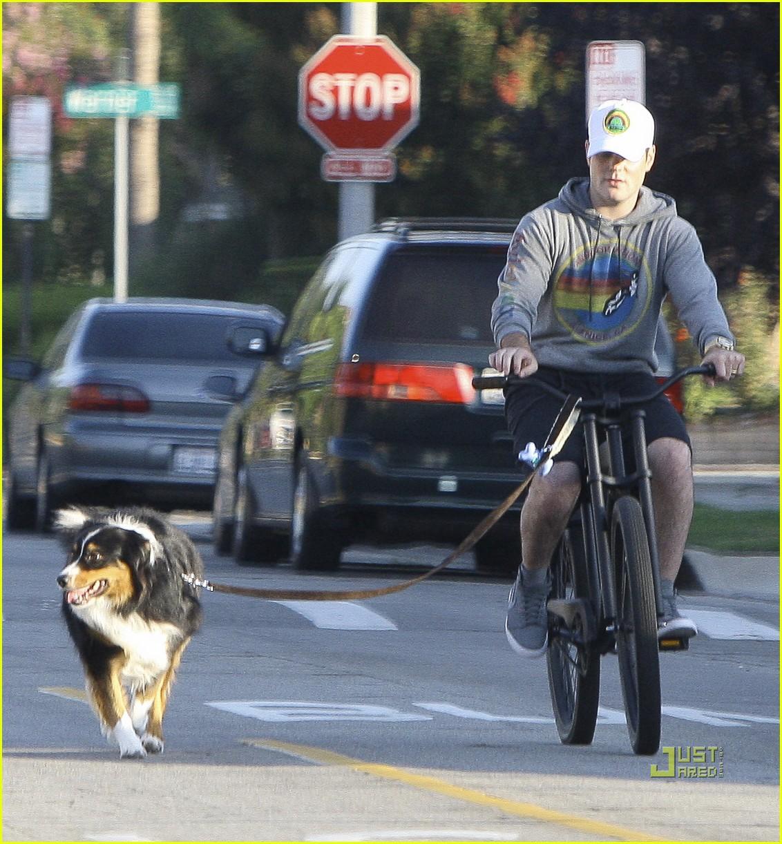 hilary duff bike 142569302