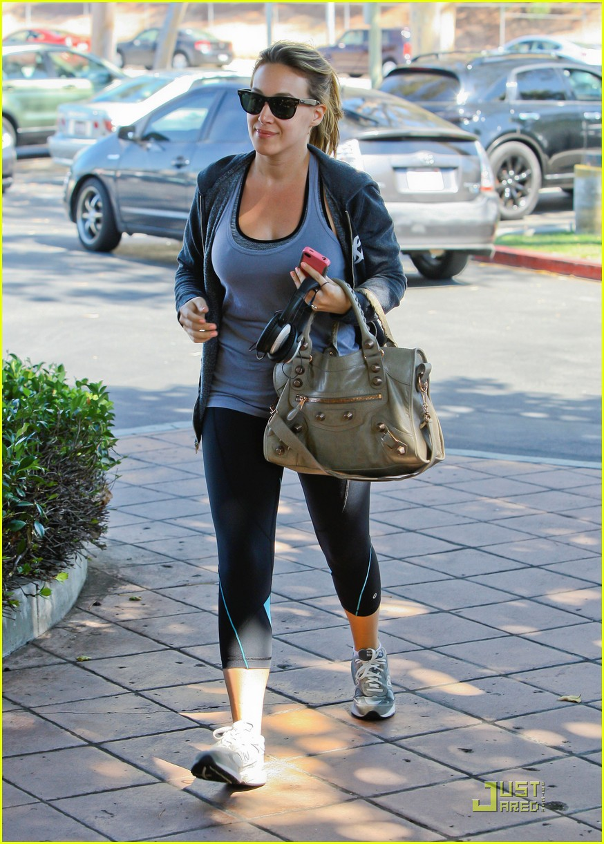 hilary haylie duff gym 05