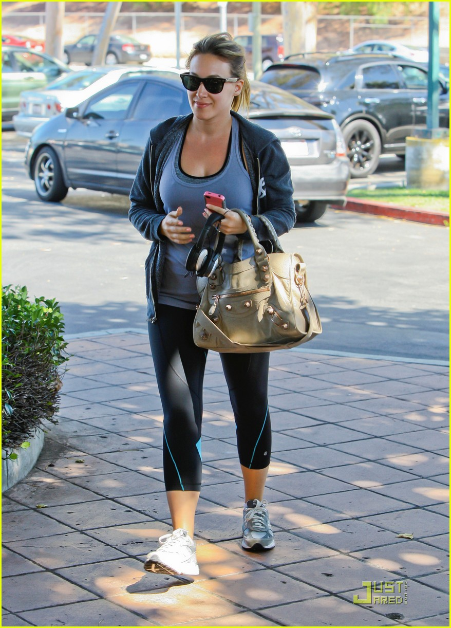 hilary haylie duff gym 12