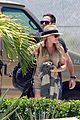 hilary duff mike comrie mexico airport 03