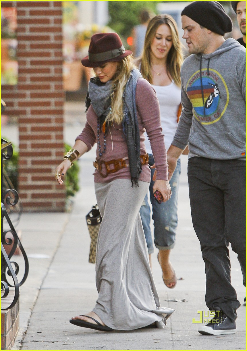 hilary duff mike comrie sushi 02