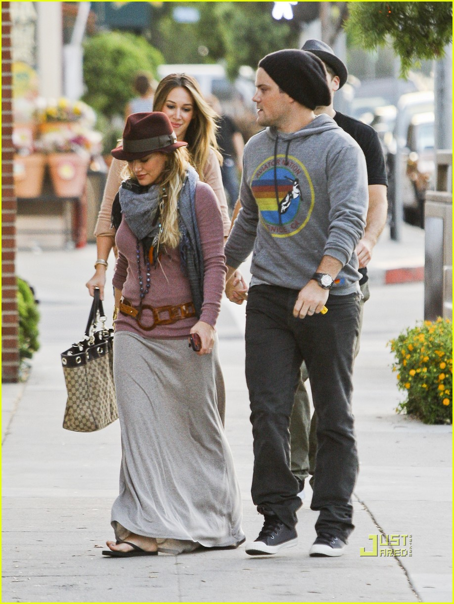 hilary duff mike comrie sushi 13
