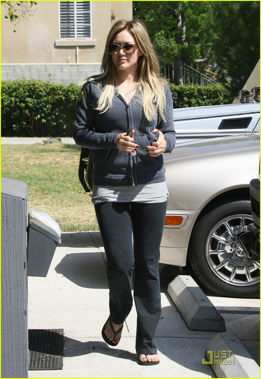 hilary duff work out 012575276