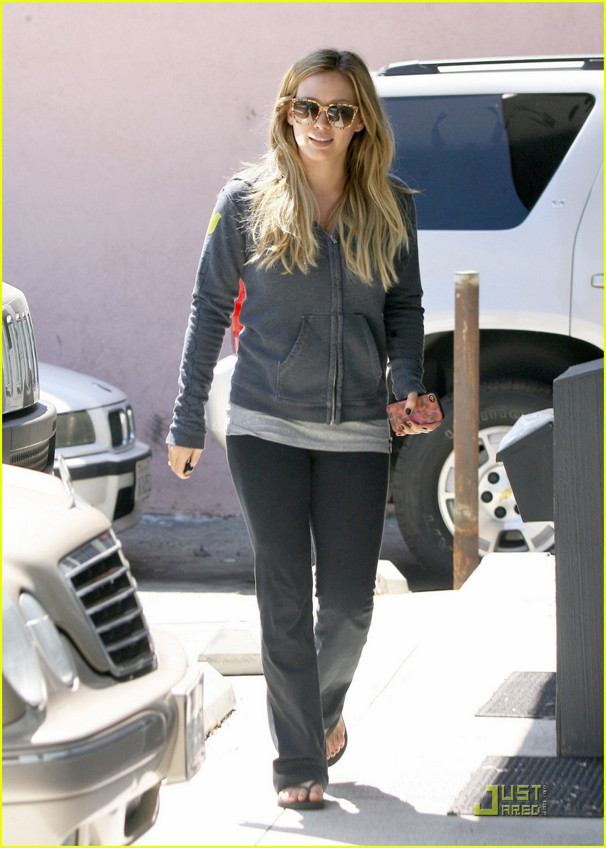 hilary duff work out 05