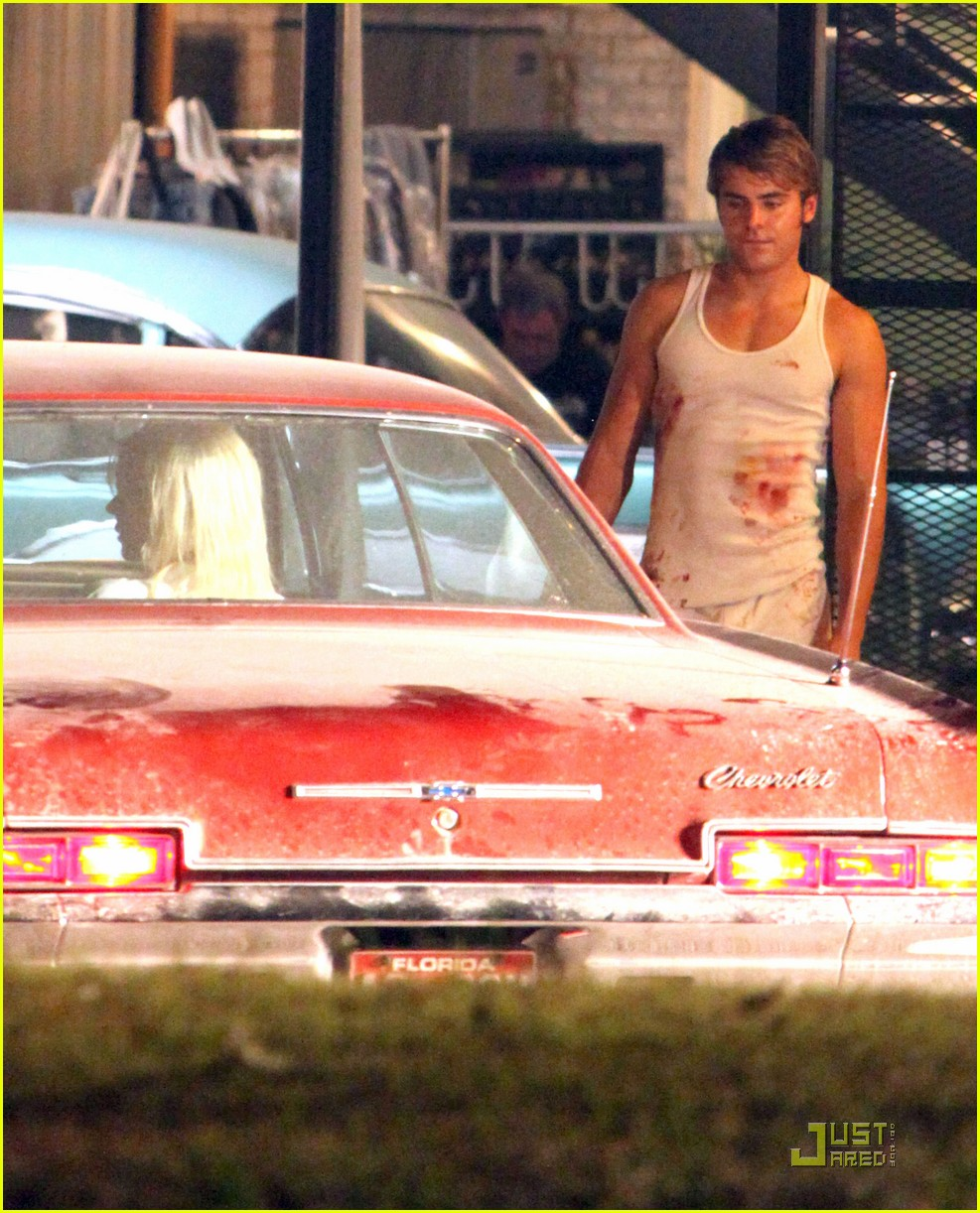 zac efron bloody underwear on paperboy set 062573868