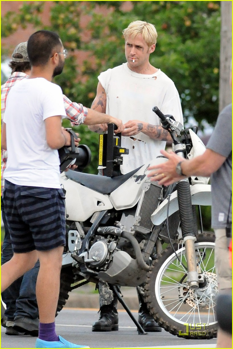ryan gosling motorcycle pines 022568691