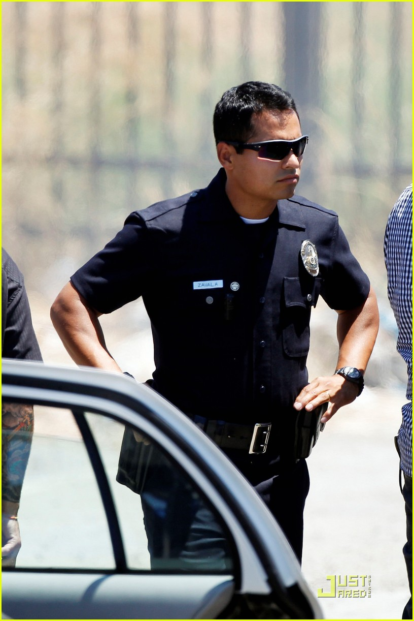 jake gyllenhaal michael pena end watch 032565765