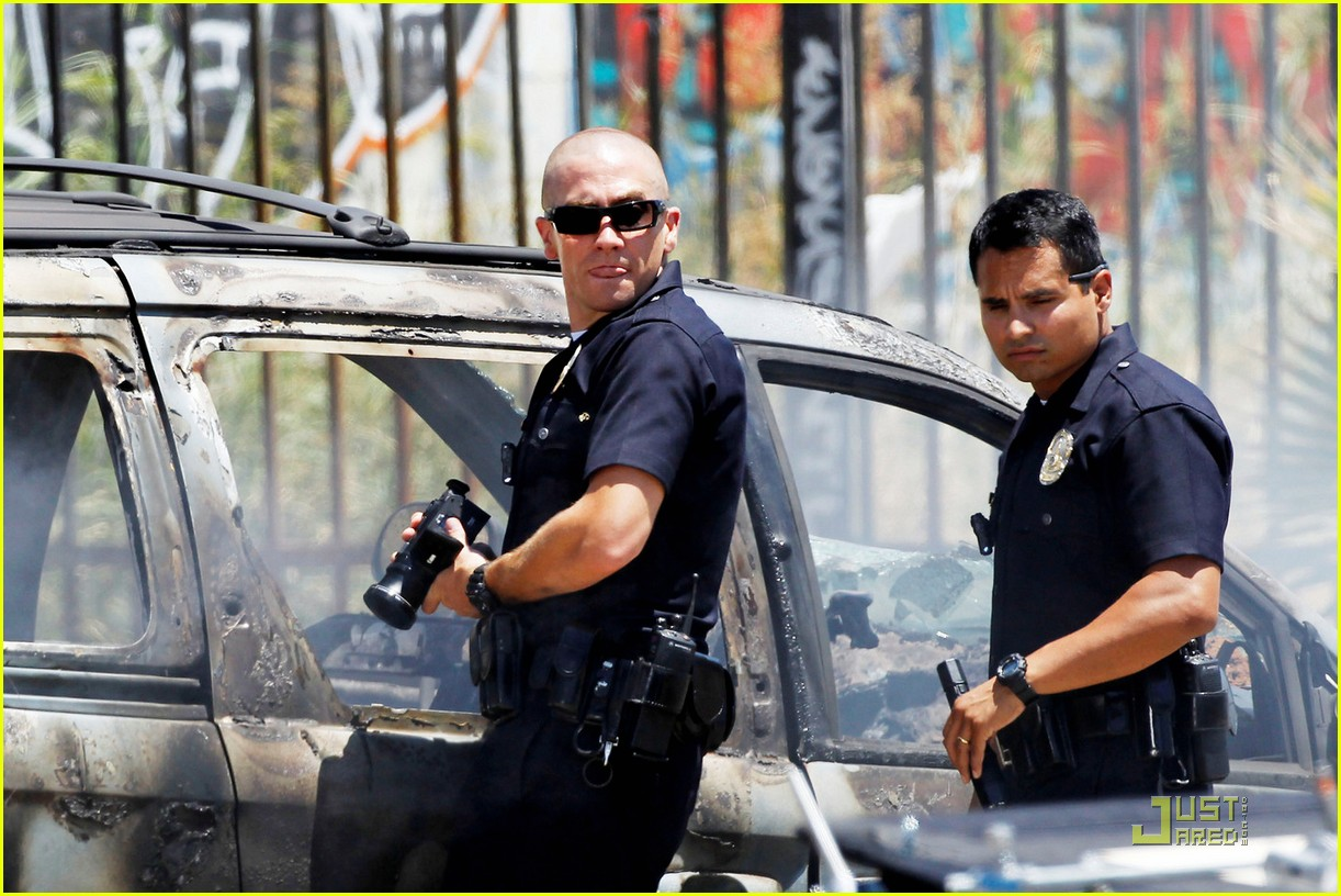 jake gyllenhaal michael pena end watch 042565766