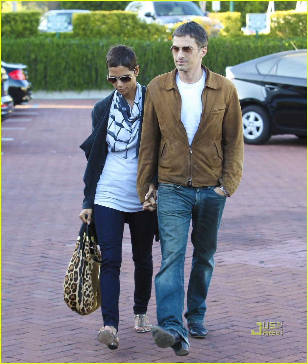 halle berry olivier martinez nobu 06