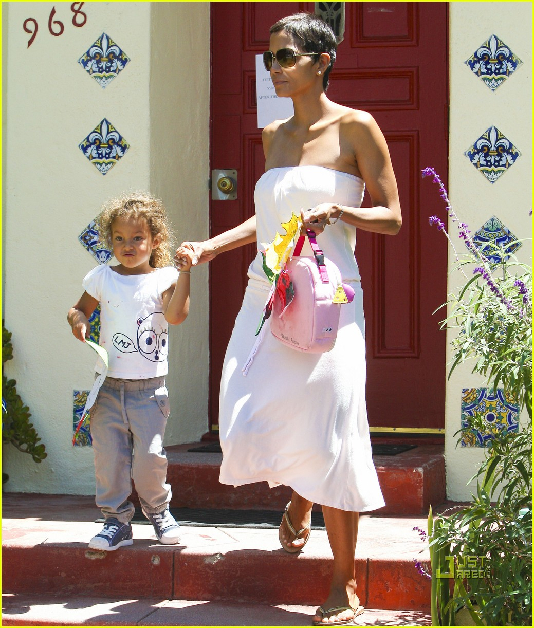 halle berry nahla picked up from school 022566277