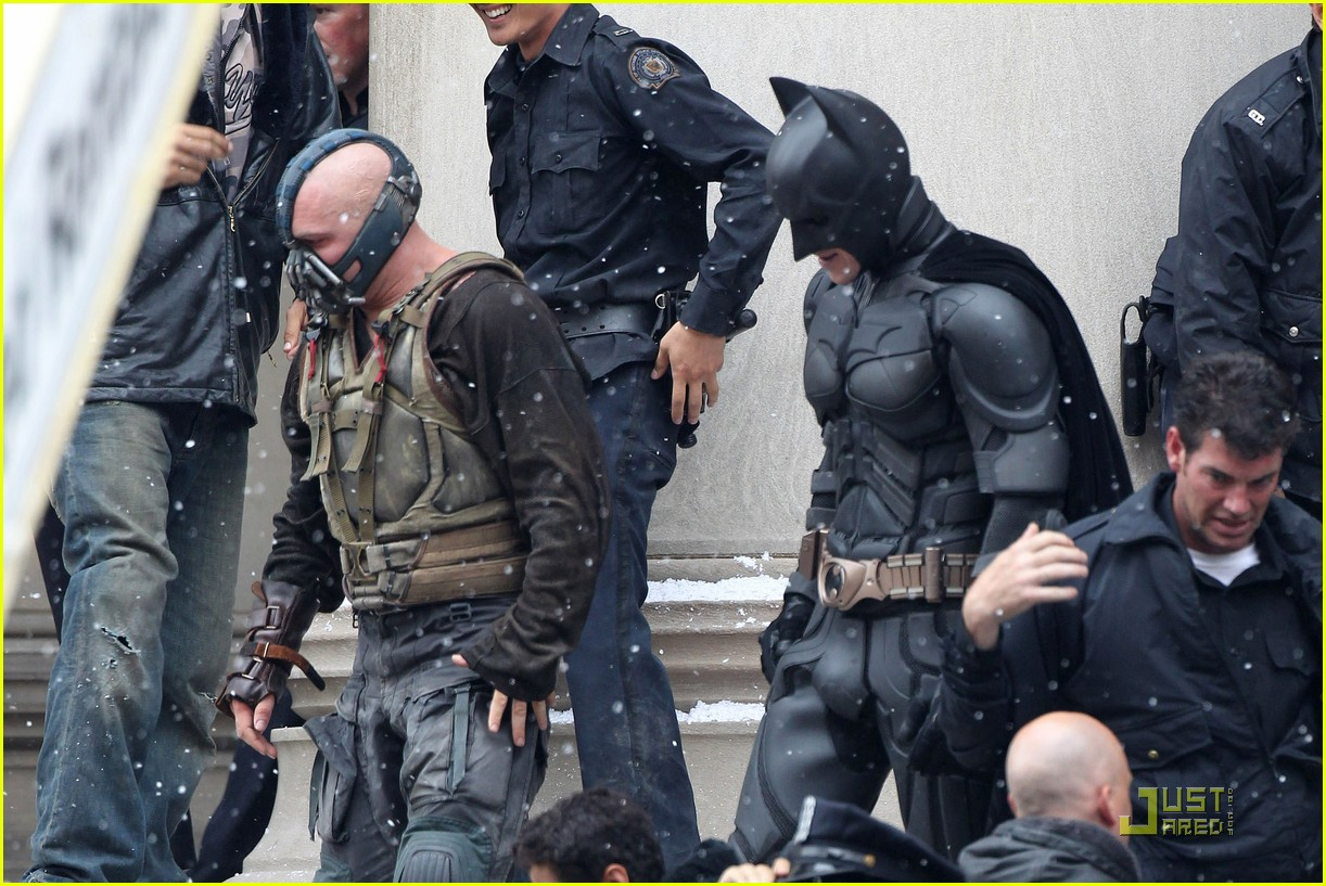 tom hardy christian bale bane batman battle 03