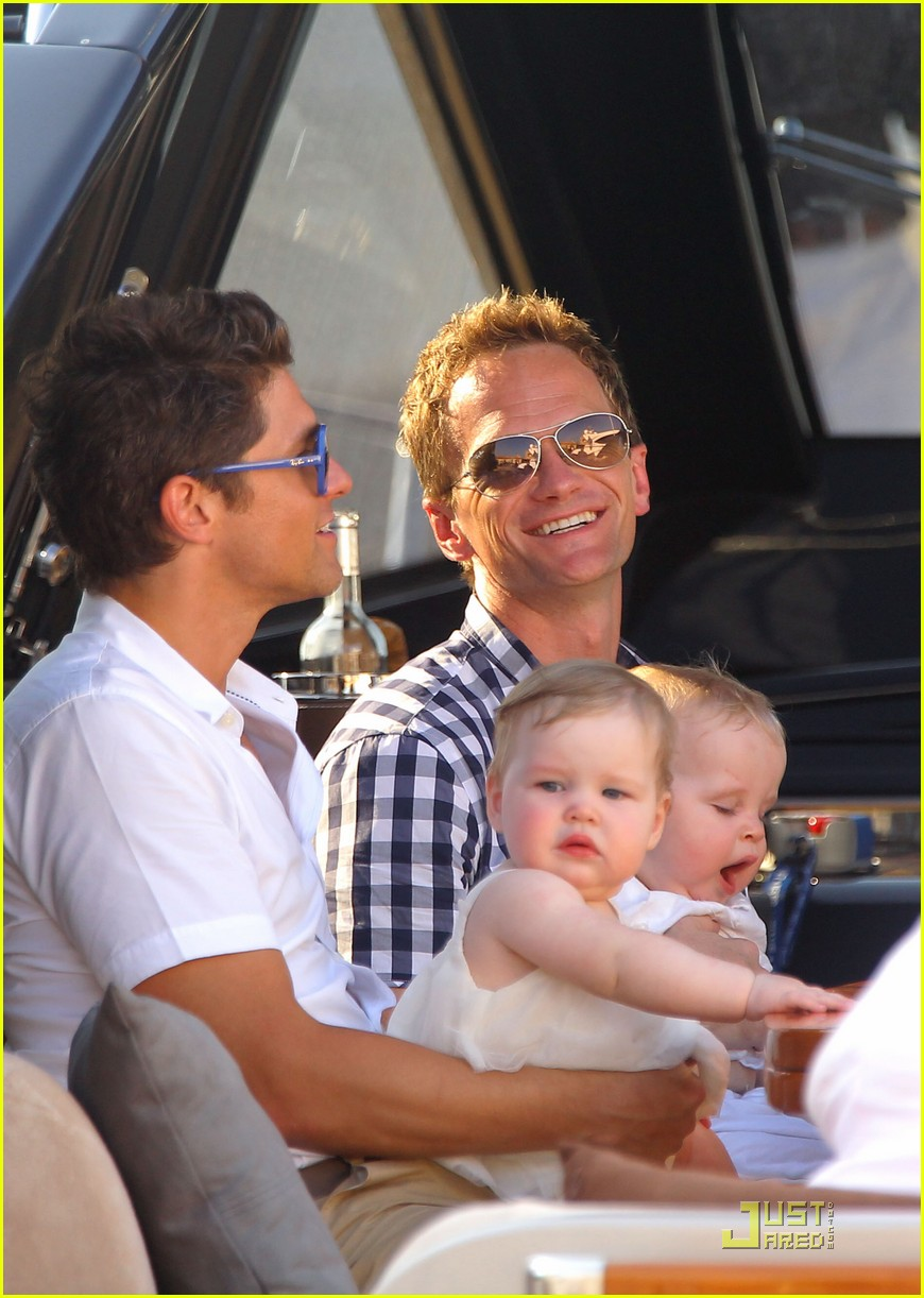 neil patrick harris david burtka vacationing in st tropez 02