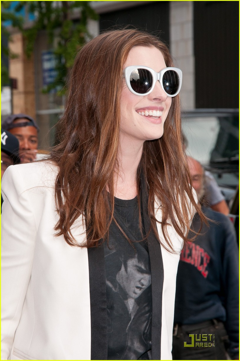 anne hathaway one day in theaters now 062571441