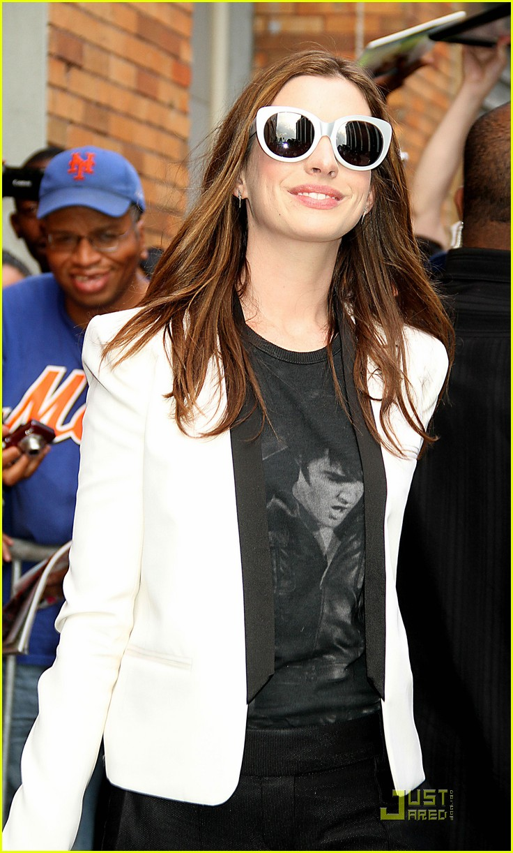 anne hathaway one day in theaters now 092571444