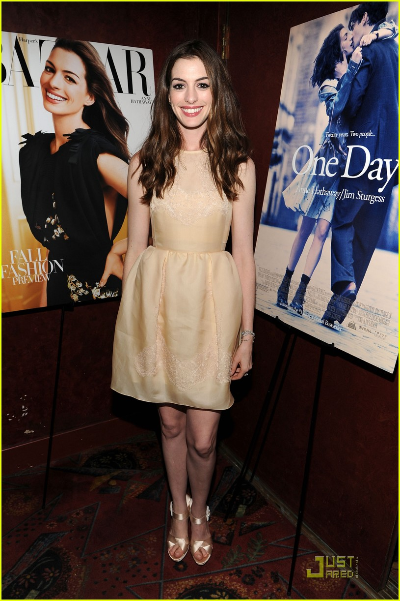 anne hathaway jim sturgess one day premiere nyc 042568401