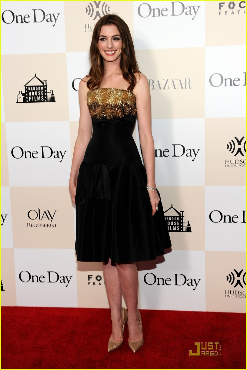anne hathaway jim sturgess one day premiere nyc 15