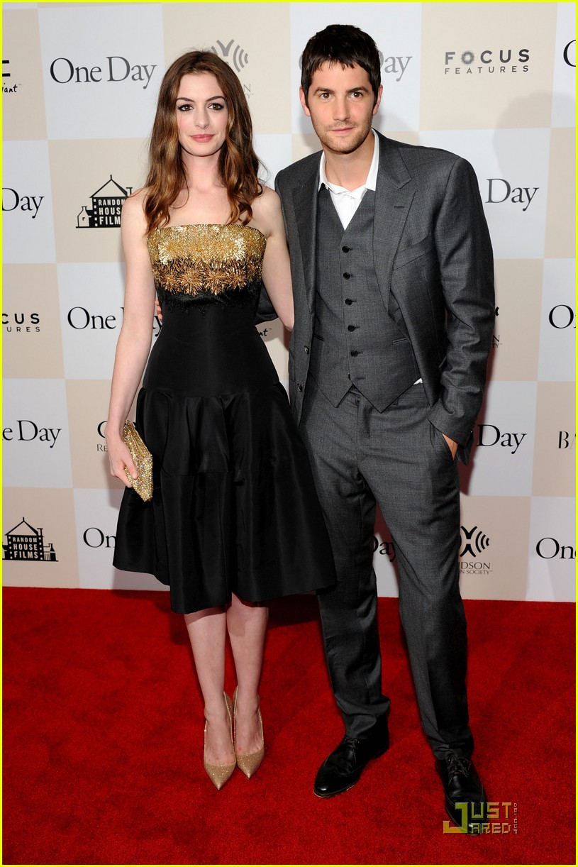 anne hathaway jim sturgess one day premiere nyc 192568416